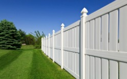 Long white Vinyl Fencing in Bloomington IL